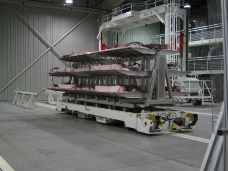 AGV con guiado magnético DTA