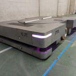 AGV en inoxidable con guiado óptico para mover cubas en salas de fermentación :: DTA
