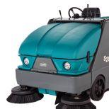 Barredora compacta de tamaño medio de conductor sentado :: TENNANT S20
