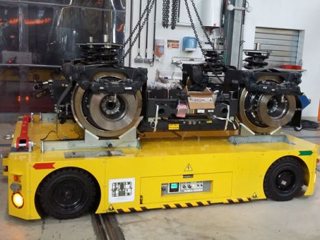 Carro motorizado para el transporte de bogies de trenes DTA