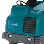 Fregadora industrial de suelos de conductor sentado :: TENNANT T20