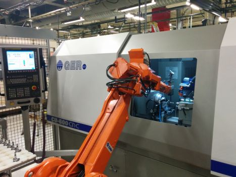 Rectificadora CNC con carga y descarga automatizada GER