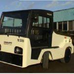 Tractor de arrastre eléctrico para conductor sentado :: Charlatte