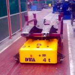 Transpaleta eléctrica de guiado automático :: DTA